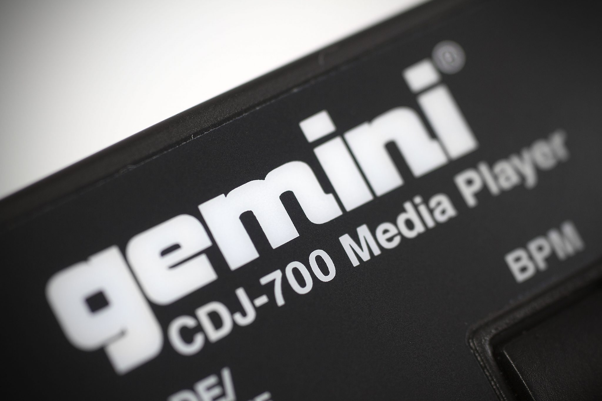 REVIEW: Gemini CDJ-700 Media Player 8