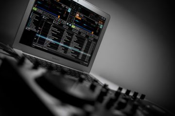 DJs - what is your laptop of choice and why? 2