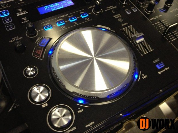 Pioneer XDJ-AERO Hands on Preview (2)