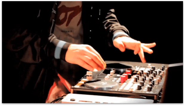DJ Unkut meets Vestax VCI-400 - turntrollerism? [Video and Interview] 5