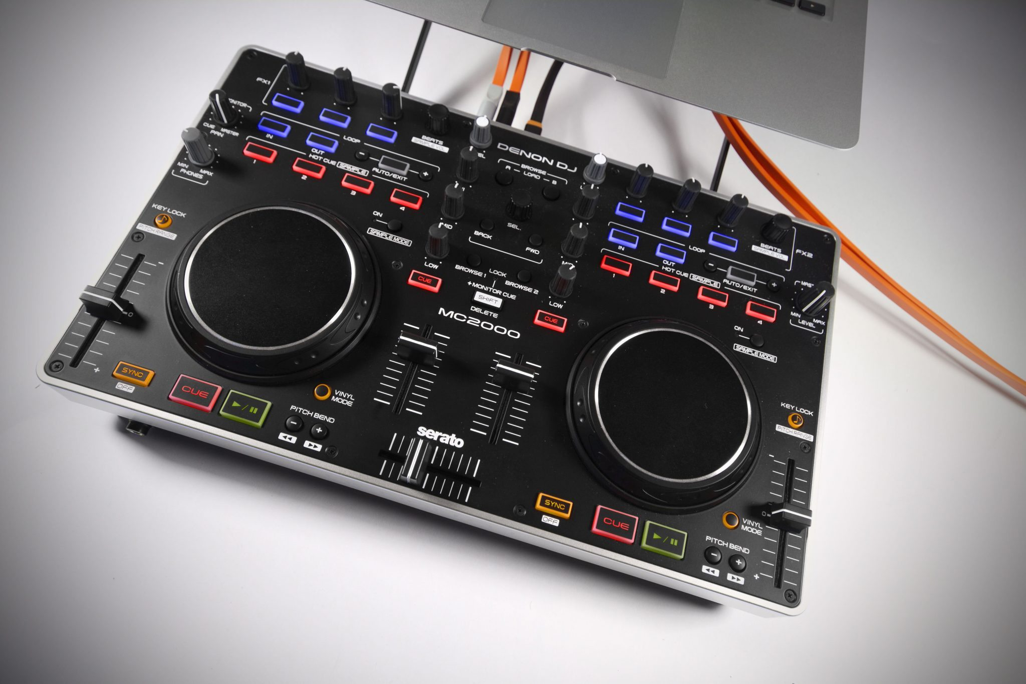 review denon dj mc2000 dj controller djworx. Black Bedroom Furniture Sets. Home Design Ideas