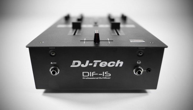 DJ Tech DIF-1S Scratch Mixer with mini innofader review (30)