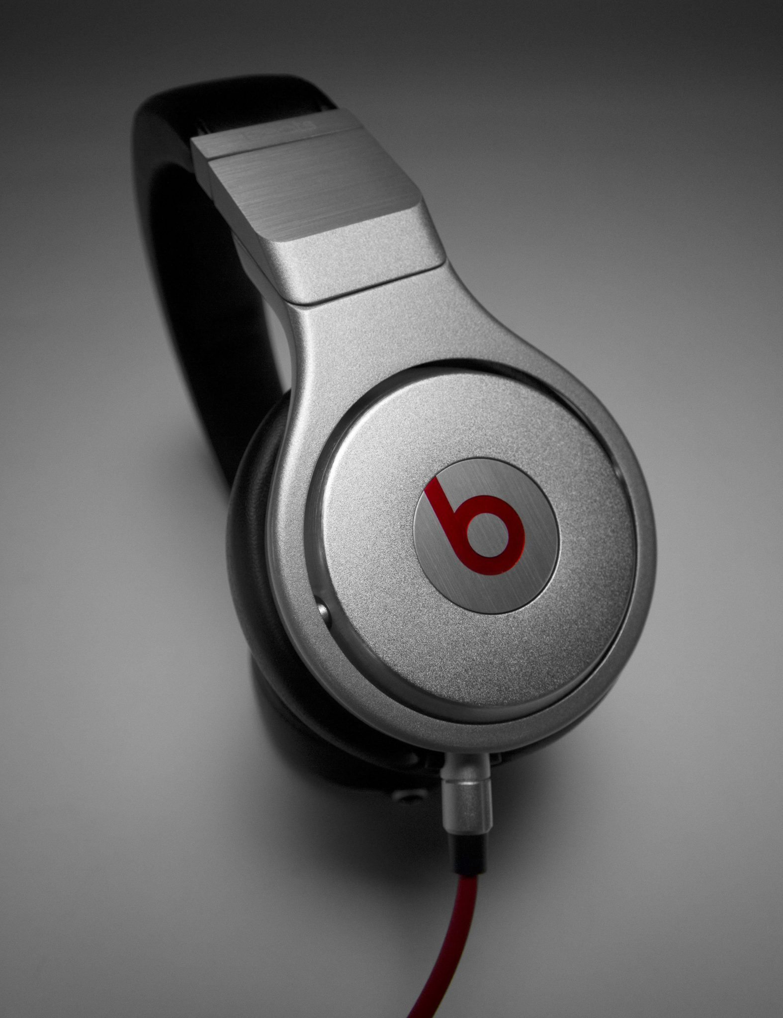 Beats by Dr. Dre Studio Review & Rating | PCMag.com