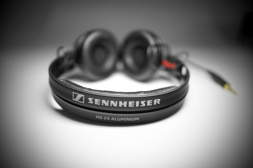 Sennheiser HD-25 Aluminium DJ headphones 25 year edition unbox (5)