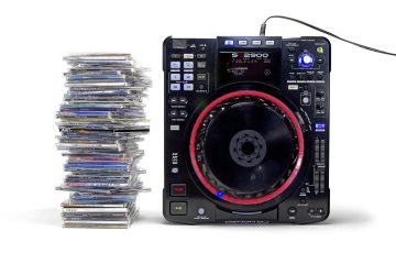 Are CDs dead to DJs? (5)