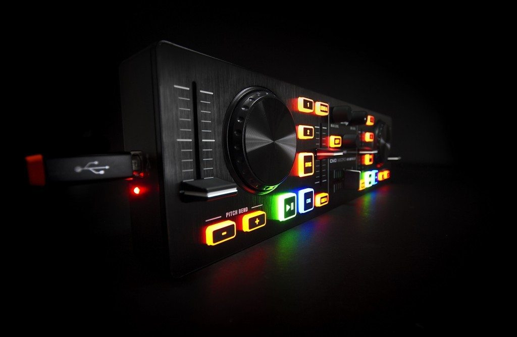Behringer CMD Micro DJ Controller Review (10)