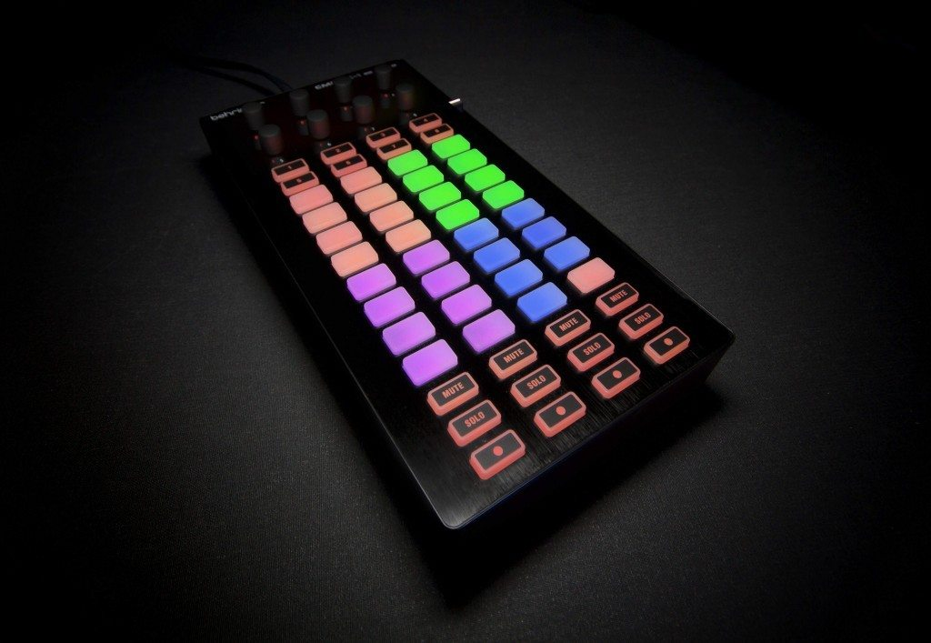 Behringer CMD Micro DJ Controller Review (3)