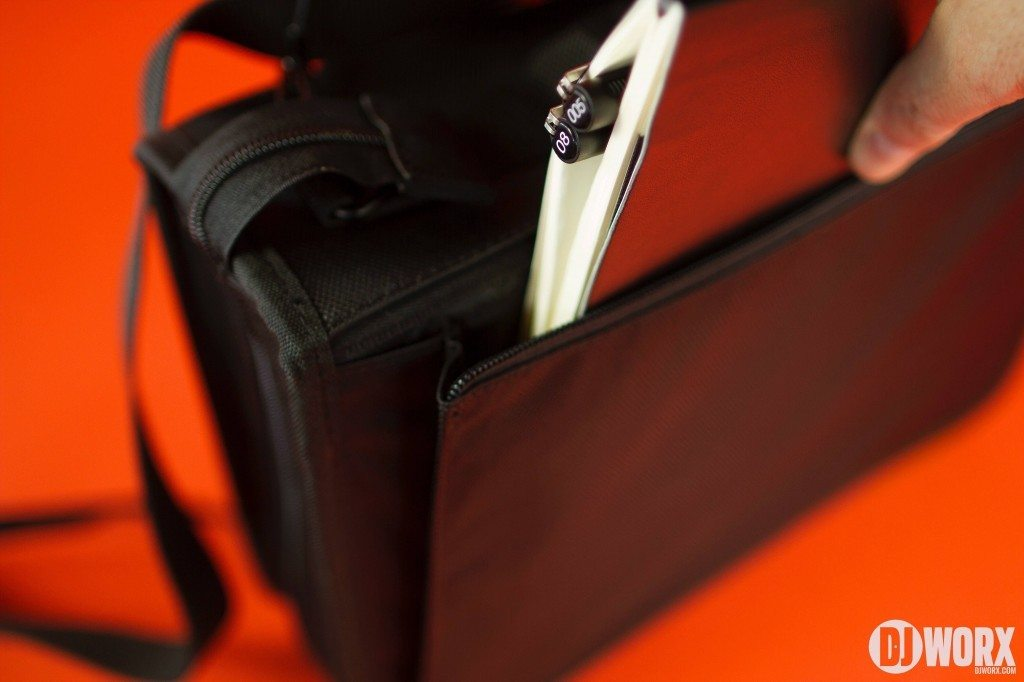 UDG Ultimate small large DIGI wallet review (6)