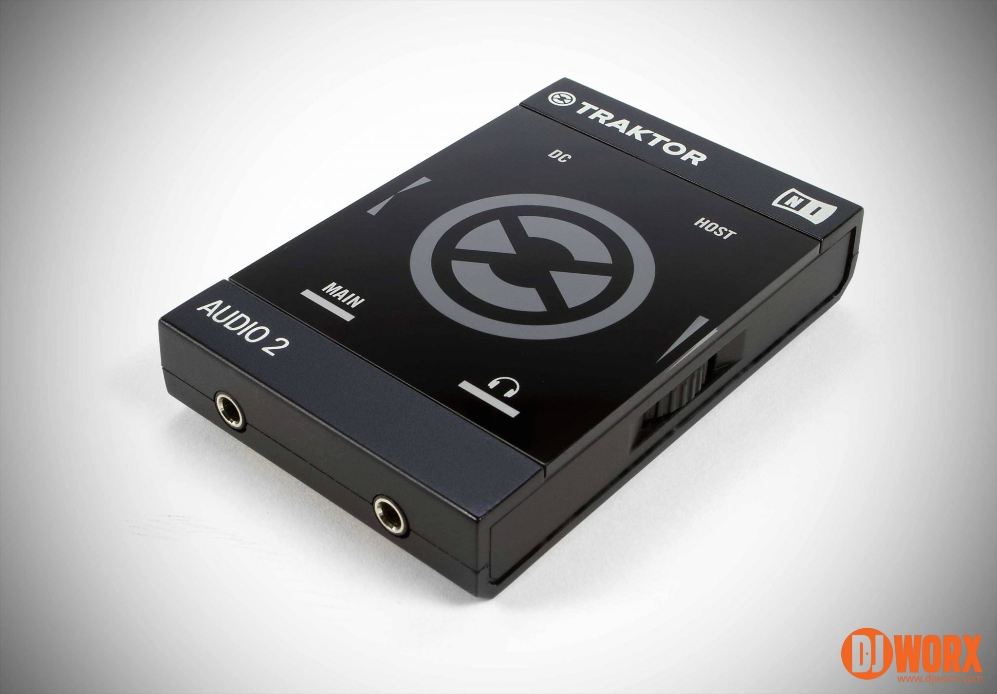 Native Instruments Traktor Audio 2 review (3)