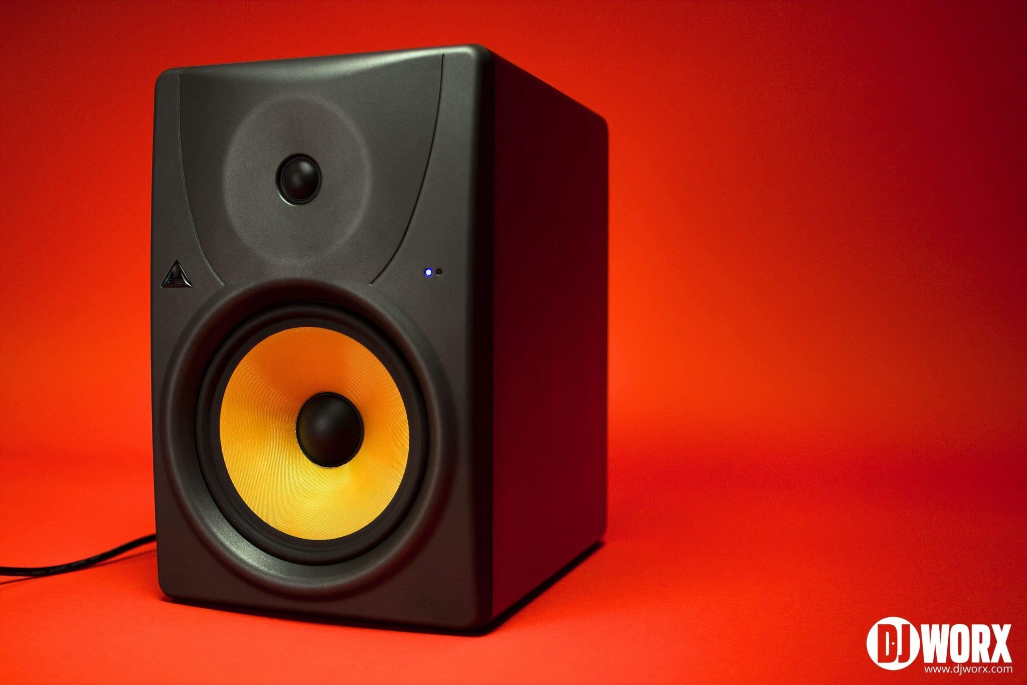 DJ studio monitors group test Behringer B1031a