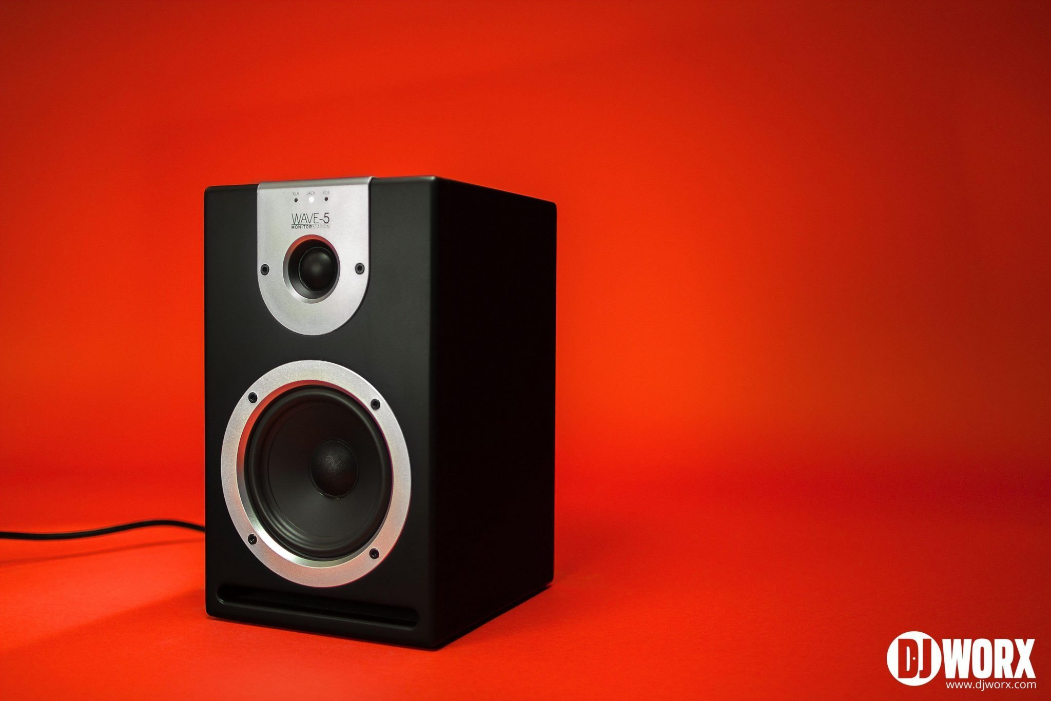 DJ studio monitors Reloop Wave 5