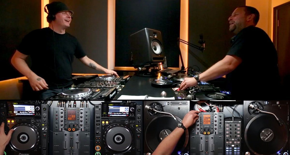 pioneer plx 1000 in action with the scratch perverts djworx. Black Bedroom Furniture Sets. Home Design Ideas