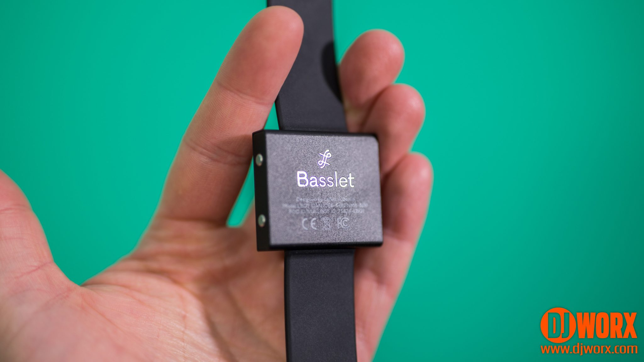 REVIEW: Basslet - wearable body-subwoofer 3