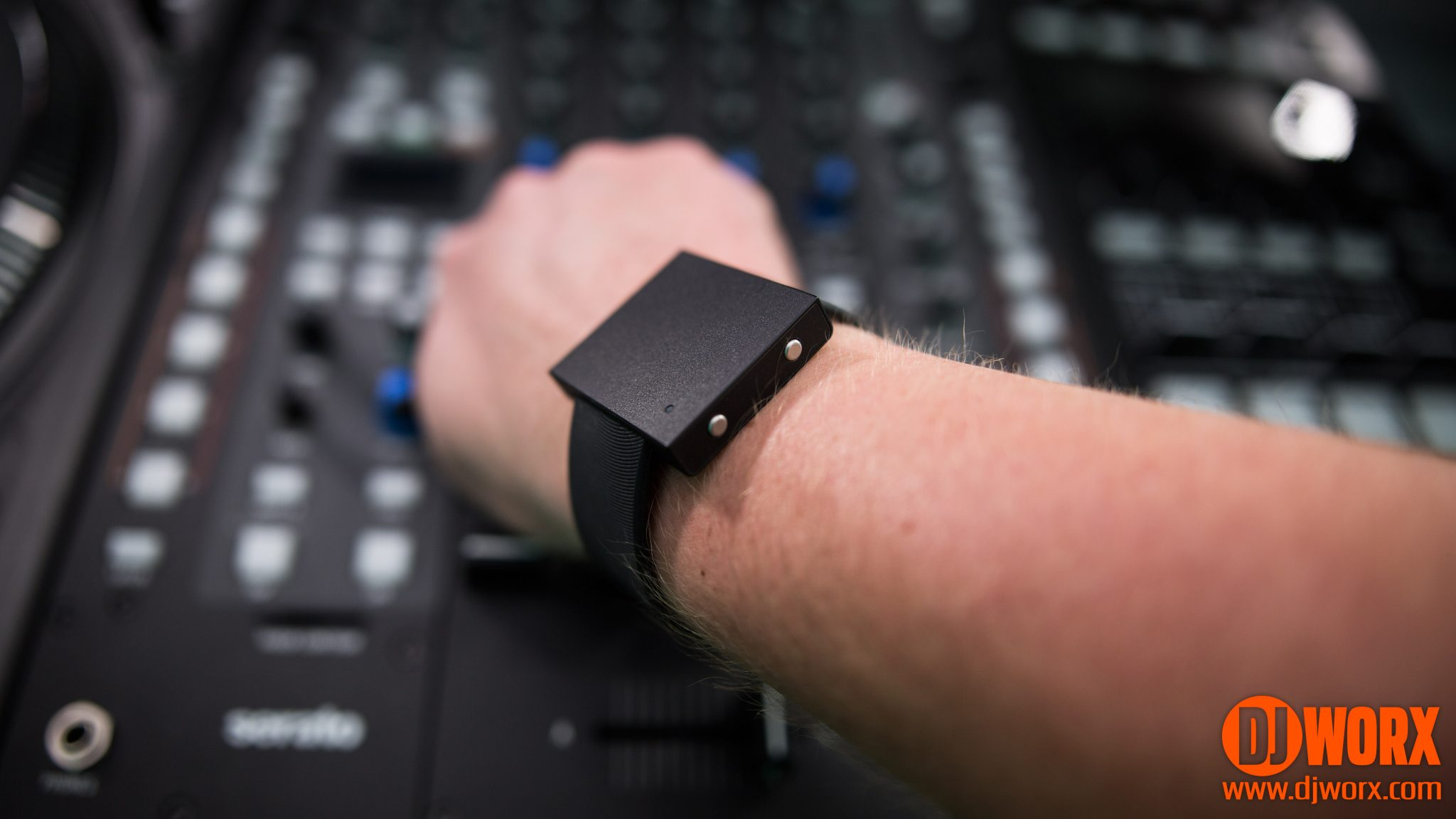 REVIEW: Basslet - wearable body-subwoofer 1