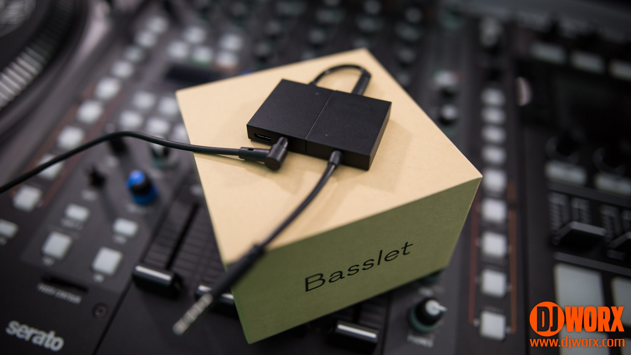 REVIEW: Basslet - wearable body-subwoofer 4
