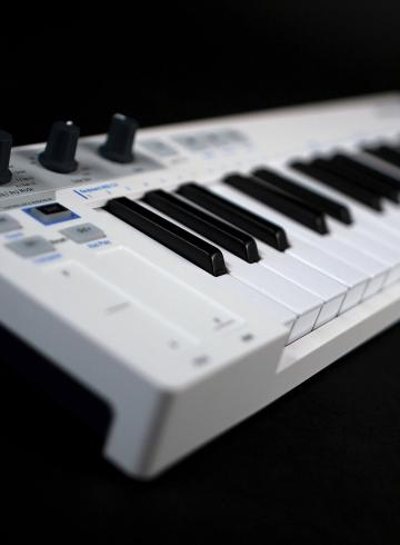 Arturia KeyStep keyboard controller reviewDJ (13)