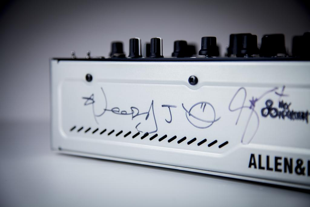 Allen Heath xone:db4 prototype famous8 eBay auction CLIC Sargent charity (3)