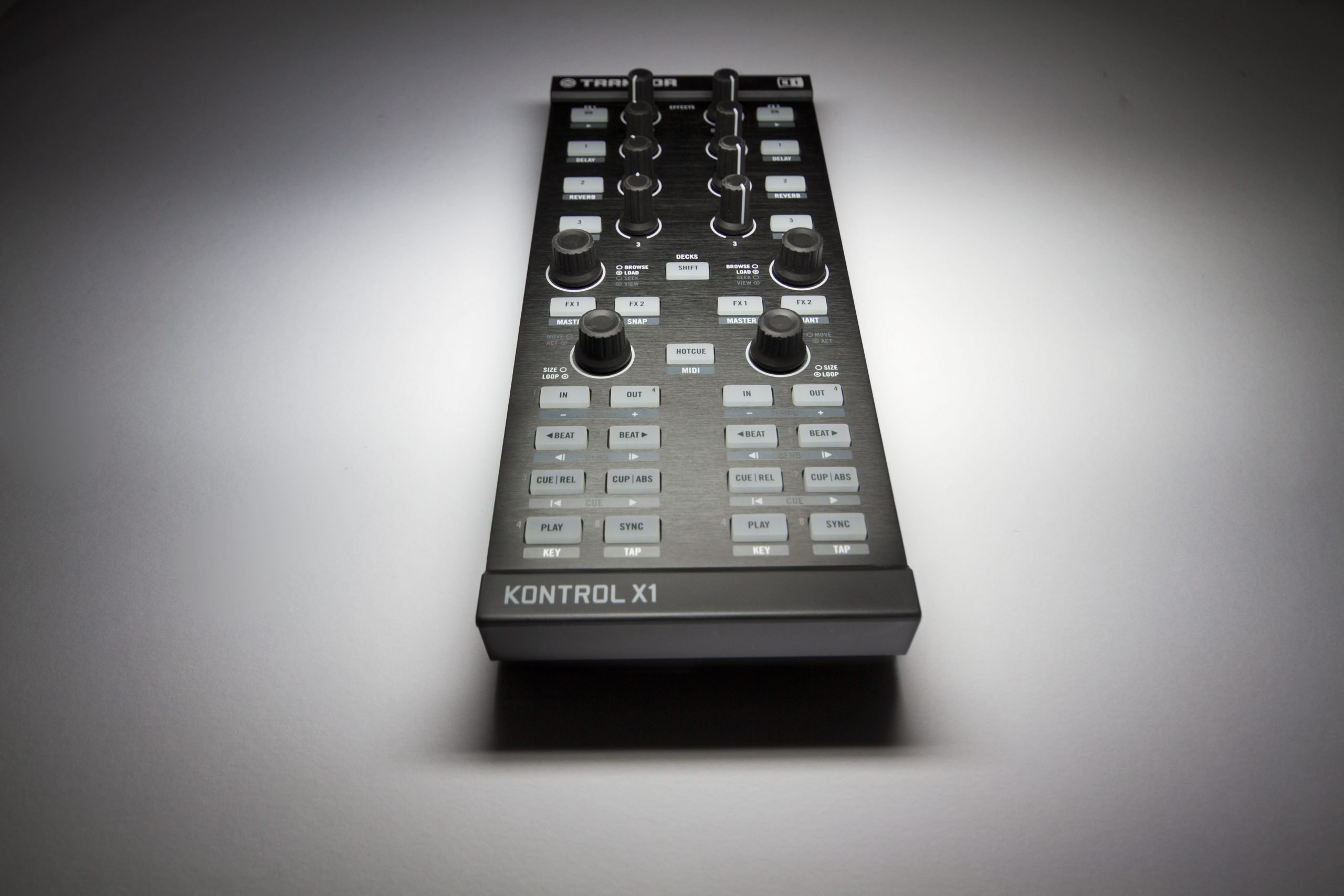 Native Instruments Traktor Kontrol X1 (5)